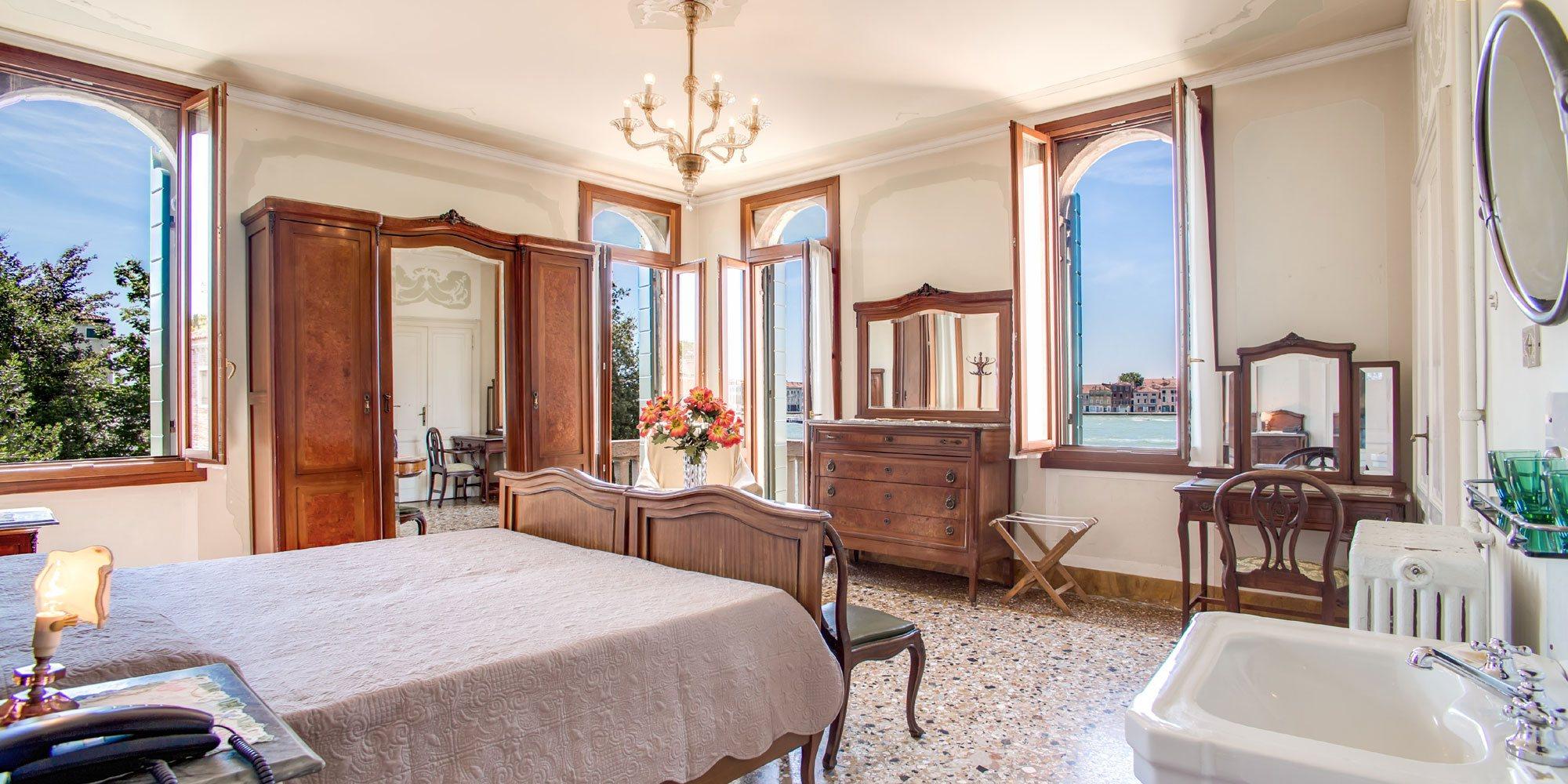 hotel pensione seguso venedig offizielle webseite 2 sterne hotel. Black Bedroom Furniture Sets. Home Design Ideas